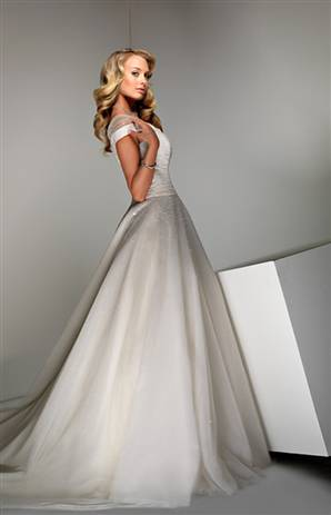 Simple Sweet Cinderella Wedding Dress