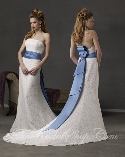 Blue and White Wedding Dress Style