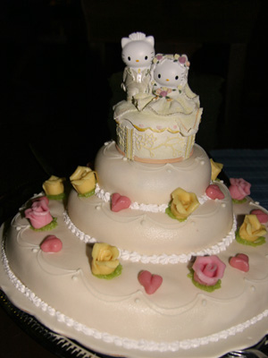 Build This Wedding: Hello Kitty! :  wedding Hello%20kitty%20wedding%20cake%2001 hello kitty wedding cake topper